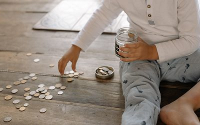 A Great Way To Start Teaching Your Kids How To Handle Finances